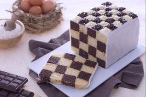 Ricetta Torta a scacchi decorata