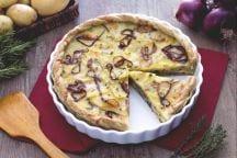 Torta salata di patate, cipolle e formaggio