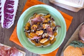 Gnocchi di patate dolci al radicchio e speck