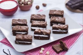 Sandwich di brownies al cioccolato