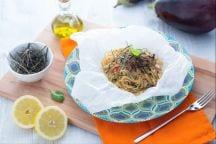 Spaghetti integrali terra e mare al cartoccio