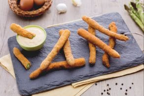 Ricetta Frittura di asparagi con salsa