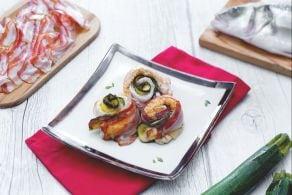 Ricetta Rotolini di filetti di branzino con pancetta affumicata e zucchine grigliate al Prosecco