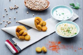 Ricetta Felafel con hummus veloce e salsa allo yogurt