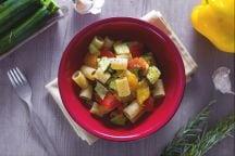 Mezze maniche con peperoni e zucchine