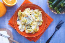 Pappardelle con zucchine trifolate e crema di ricotta all'arancia