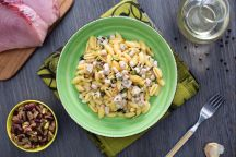 Gnocchetti sardi con pesce spada e pistacchi