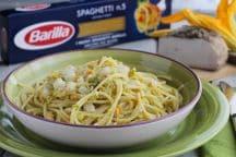Spaghetti al lardo e fiori di zucca