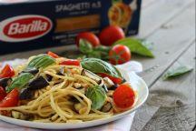 Spaghetti alle melanzane e pomodori