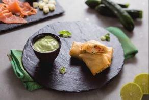 Pacchettini di pasta fillo con cuore di salmone e formaggio