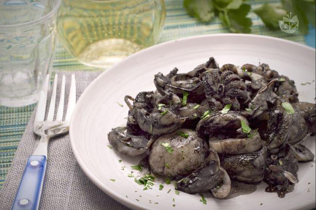 Ricetta seppie in nero la ricetta di giallozafferano for Piatto della cucina povera