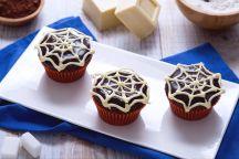 Cupcake ragnatela al cioccolato e latte condensato