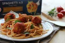 Spaghetti con polpette di ceci