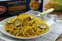 Spaghetti alle zucchine, fiori e zafferano