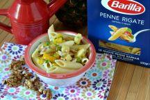 Penne rigate con peperoni e ananas
