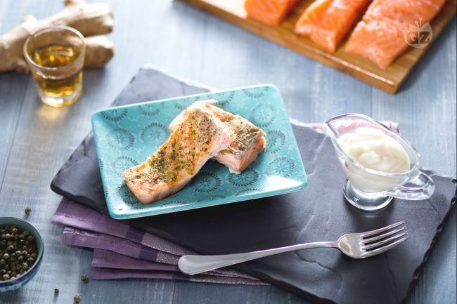 Filetto di salmone al pepe verde con zenzero e lime