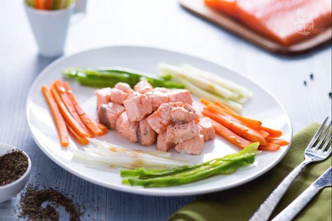 Ricetta bocconcini di salmone al t verde con verdure la - Cucina a vapore ricette ...