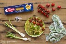 Spaghetti con cipollotti e pomodorini arrosto
