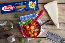 Spaghetti and cheese balls