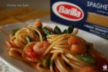 Spaghetti punte di asparago e code di gamberi