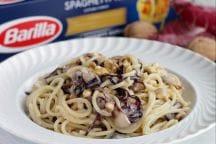 Spaghetti con Noci, Radicchio e Gorgonzola