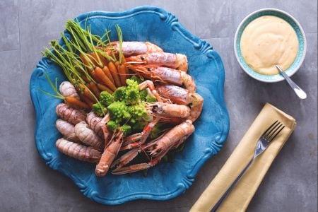 Crostacei con verdure al vapore e maionese agli agrumi