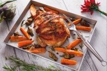 Pollo bardato con carciofi e patate dolci