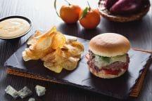 Burger d'anatra con maionese agli agrumi