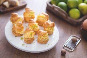Ricetta Bignè con crema pasticcera al parmigiano e lime