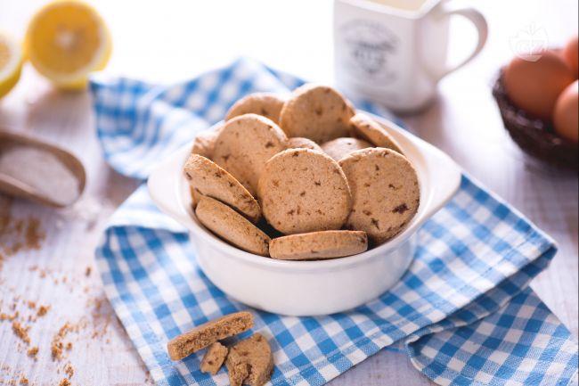 Ricetta biscotti integrali la ricetta di giallozafferano for Dolci dietetici