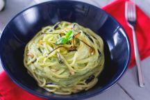 Spaghetti con crema di burrata e melanzane