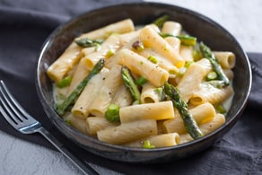 Pasta asparagi e fontina