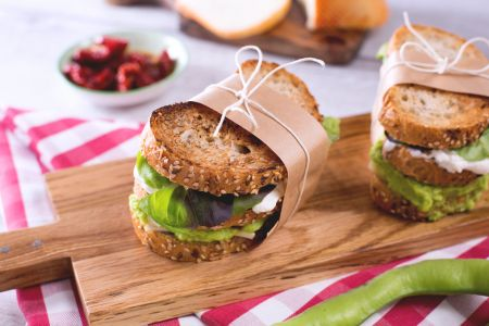 Sandwich di fave e formaggio