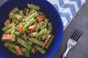 Ricetta Fusilli al pesto di zucchine con salmone