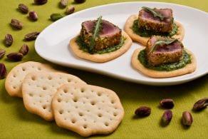 Schiacciate con tonno in crosta