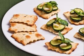 Ricetta Sfoglie alle olive con zucchine trifolate
