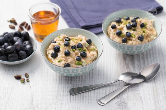 Porridge mirtilli e pistacchi
