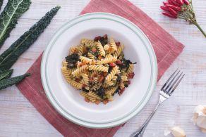 Ricetta Fusilli con cavolo nero e pancetta