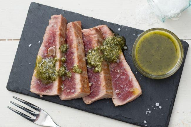 Ricetta tagliata di tonno con pesto di menta la ricetta for Cucinare kobe