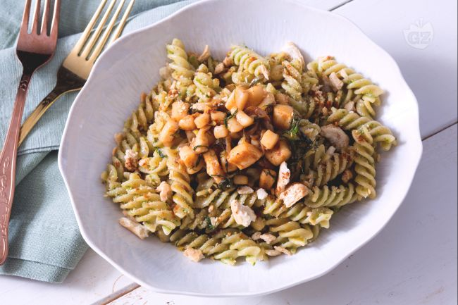 Ricetta pasta con pesto di lattuga e calamari la ricetta for Barilla ricette