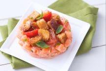 Tartare di salmone e panzanella
