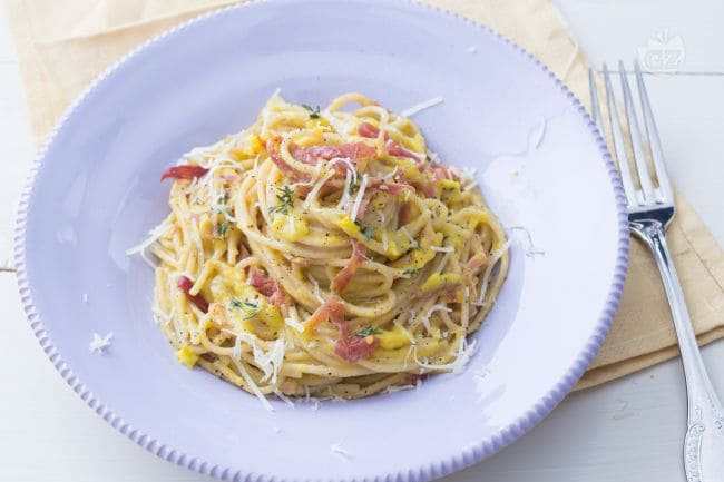 Ricetta pasta con crema di zucchine gialle e prosciutto for Ricette di cucina particolari