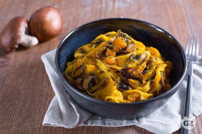 ricetta pasta zucca e funghi la ricetta di giallozafferano