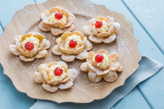 Ricetta rose di carnevale la ricetta di giallozafferano for Ricette dolci di carnevale