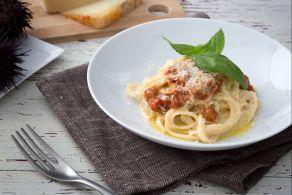 Spaghetti cacio, pepe e ricci di mare