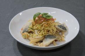Pennette ai 5 cereali con spaghetti di verdura in tempura