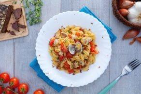Malloreddus con vongole, pomodorini e bottarga di tonno