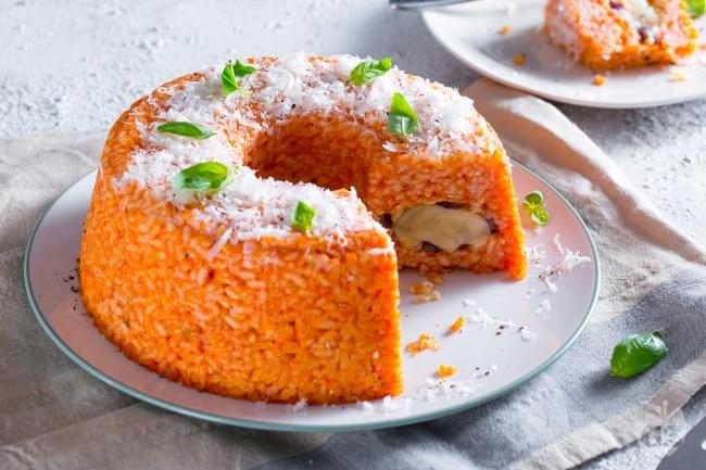 Ciambella di riso ripiena di melanzane