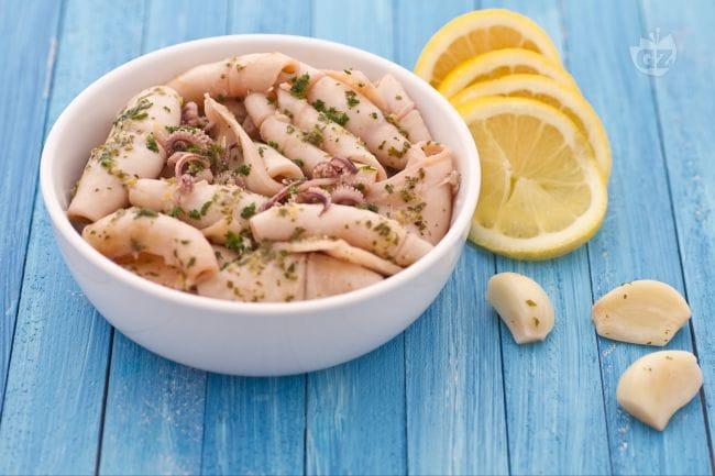 Ricetta calamari all aglio e profumo di limone la ricetta di