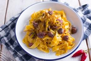 Ricetta Pappardelle rustiche con salsiccia e porri